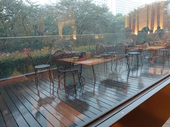 Can Outdoor Patio Furniture Get Wet, Can Outdoor Seat Cushions Get Wet